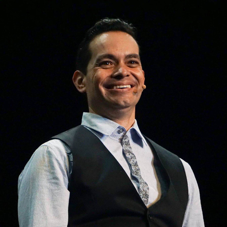 Dr. León Ruvalcaba