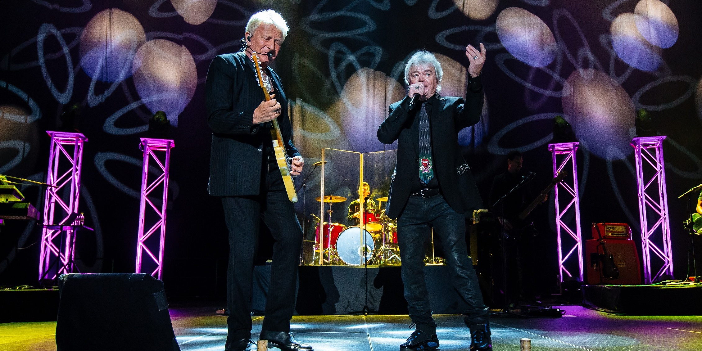 Old hits enchant anew at Air Supply's concert in Singapore – gig report