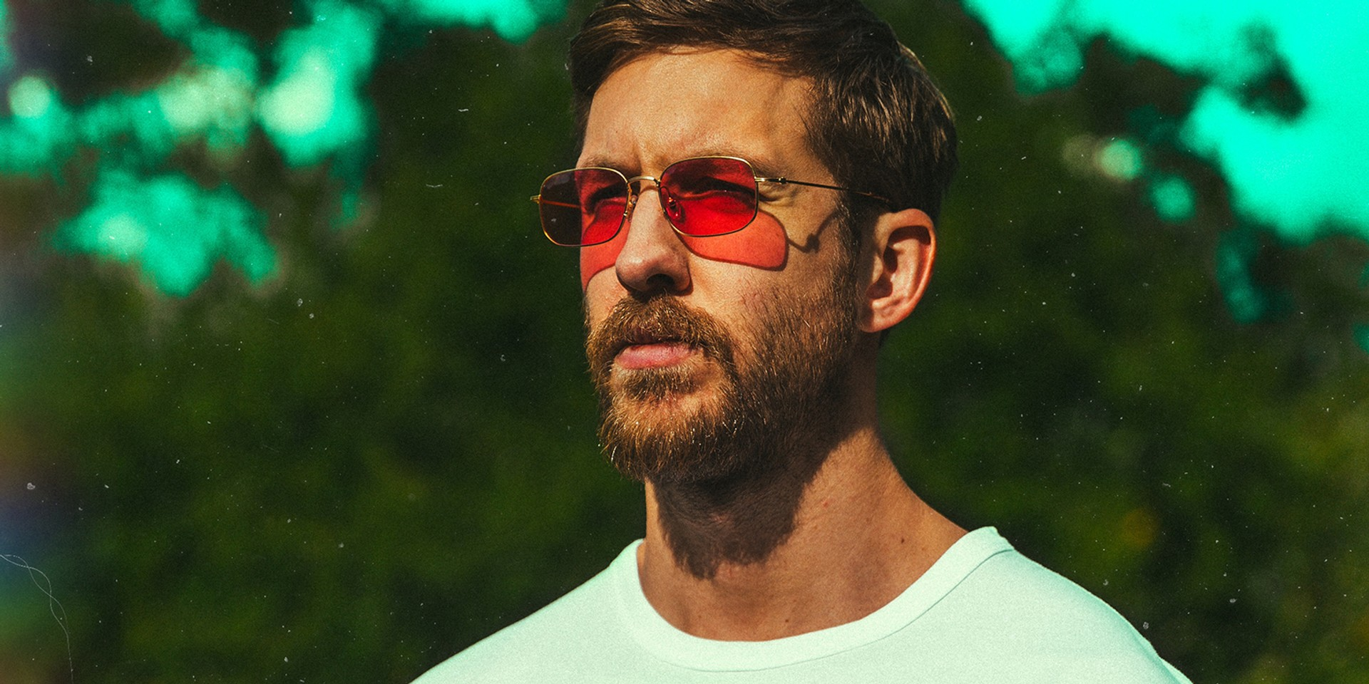 Calvin Harris announces he is now clean shaven by making a Grammys joke