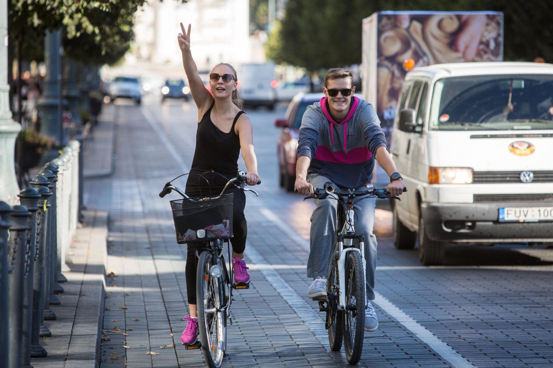 dviratininkai-nesilaiko-taisykliu