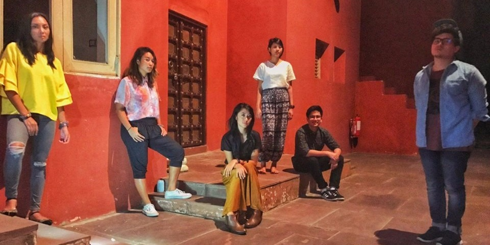 Watch The Ransom Collective perform Run on the streets of Jaipur