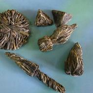 Hand crafted specialty teas from Darjeeling from Darjeeling TEA CADDY