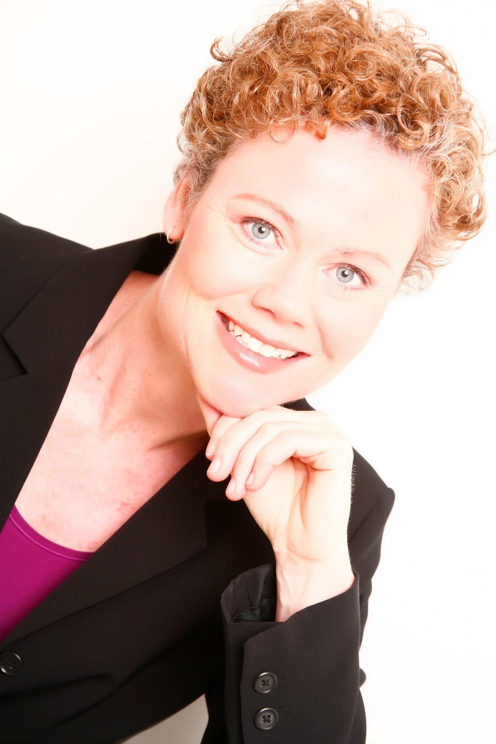 Dr Paula Moore