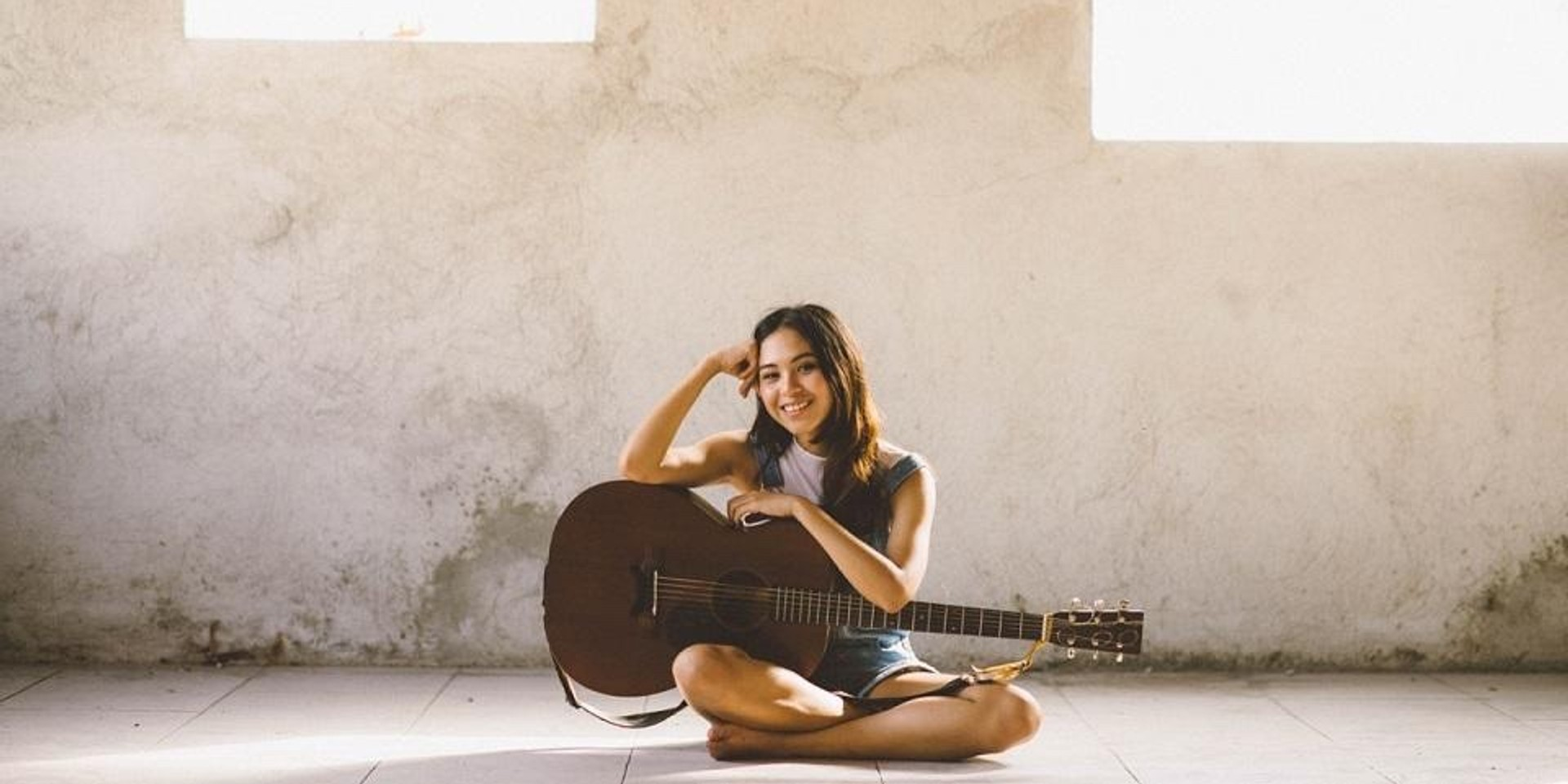 Clara Benin releases new track, 'Parallel Universe', stream it on Spotify