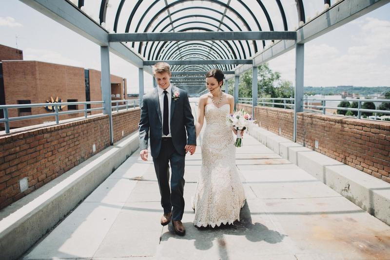 Julia-Michael-Cincinnati-Music-Hall-Wedding-0612xjpg