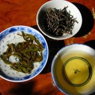 """2011 Gong Xiang """"Tribute Fragrance"""" Phoenix Dan Cong Oolong from Tea Habitat"""