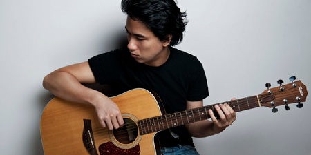 Former Eraserheads frontman Ely Buendia to perform in Singapore