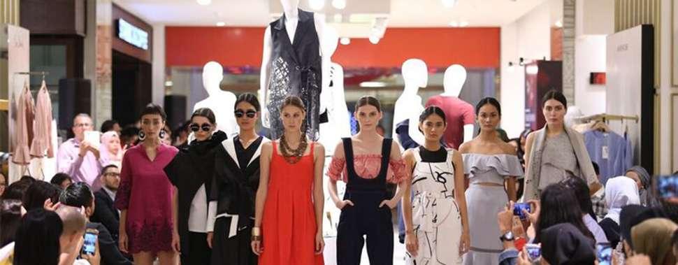 RISING Fashion cover image | Jakarta | Travelshopa