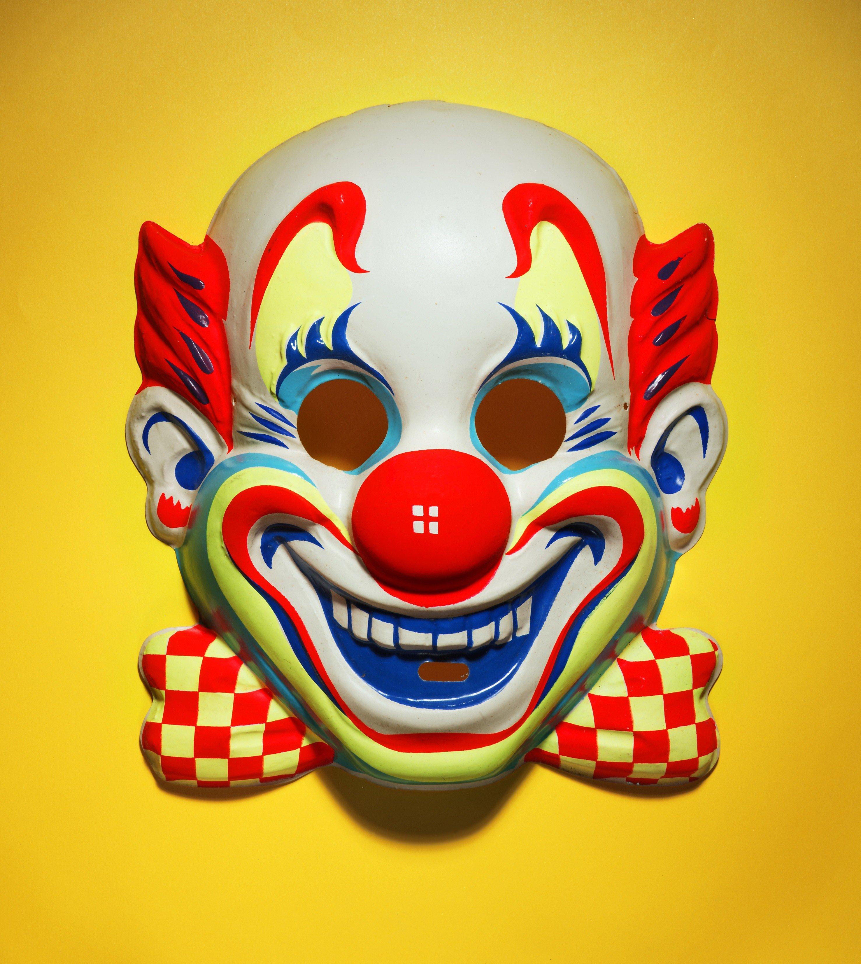 малины, картинка маска клоун кусок толстой
