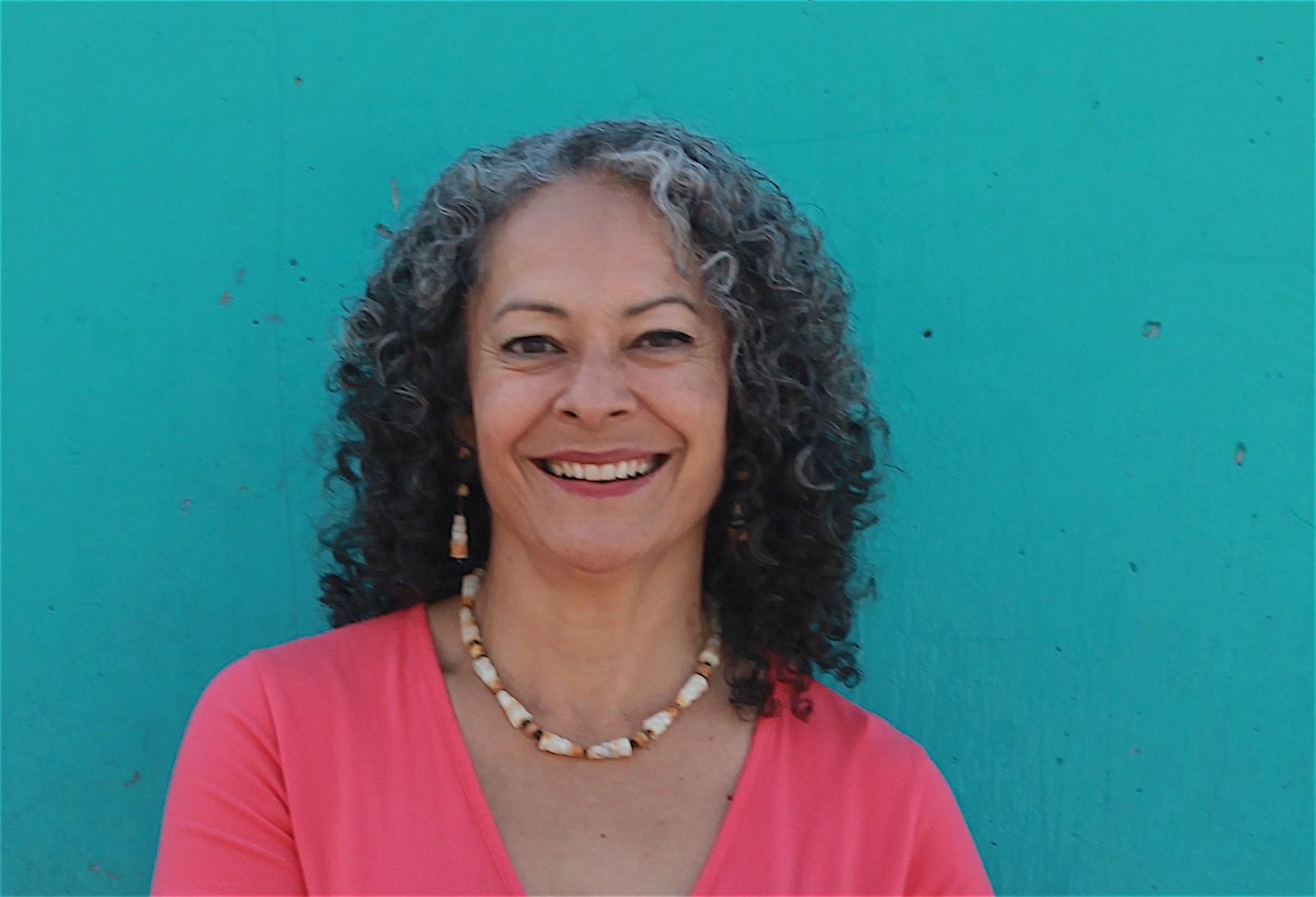 Linda González, MSW, MFA
