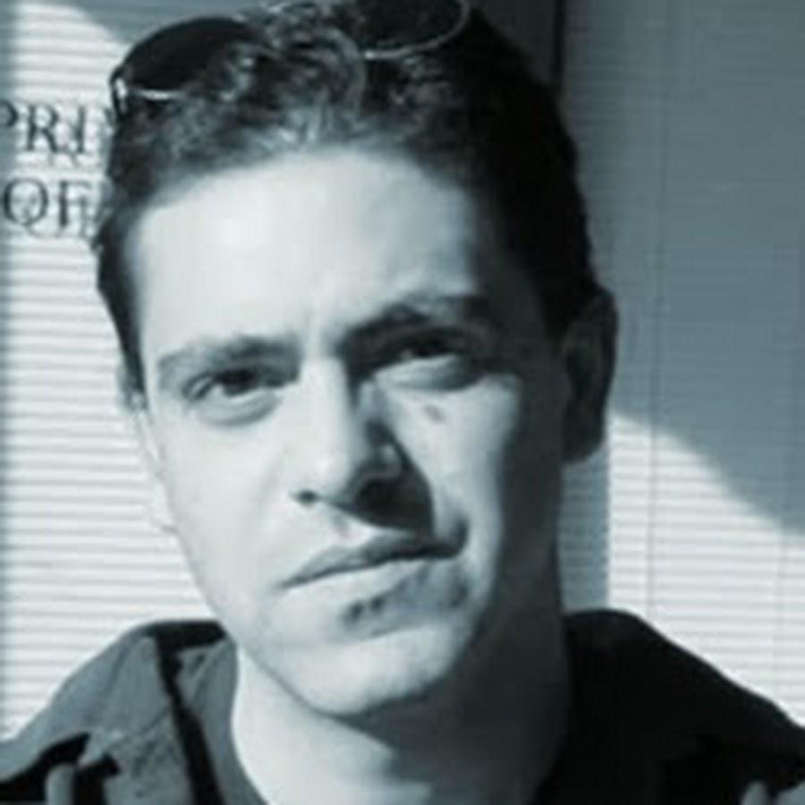 Ariel J Ramos