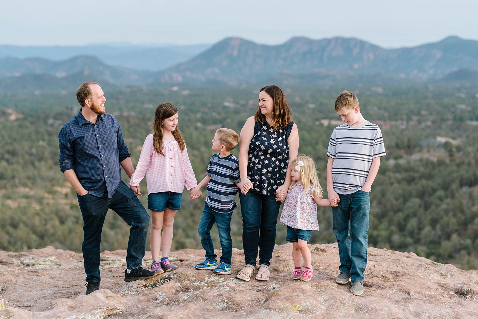 Full-Time Traveling Family of 6