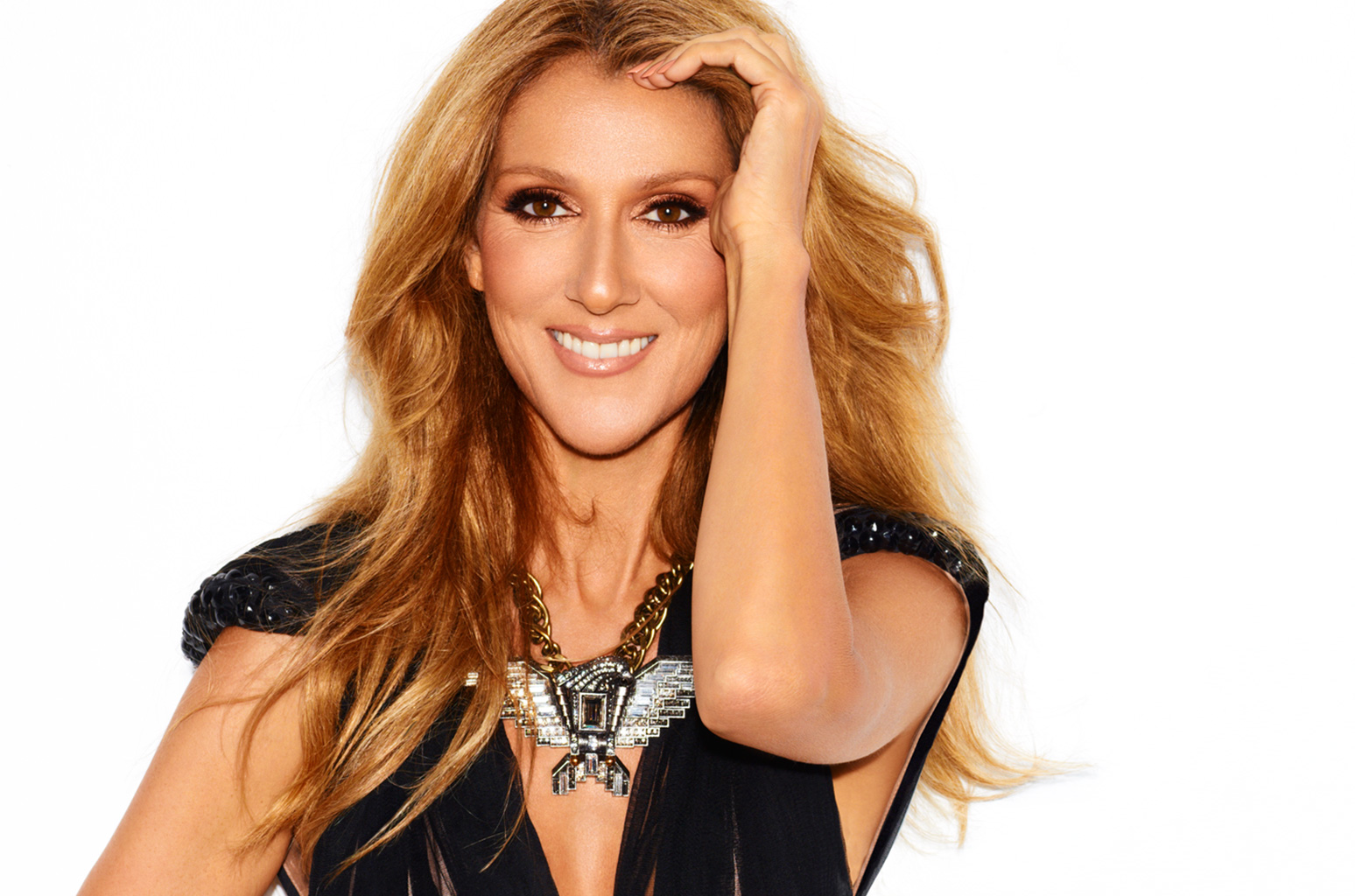 Celine Dion shows unbelievable  grace as fan humps her leg