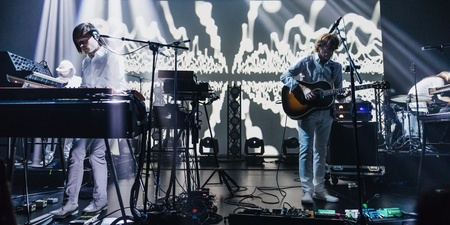 AIR breathes beauty and magic into the Esplanade Theatre — gig report