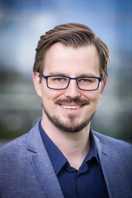 Dr. Boris Nikolai Konrad