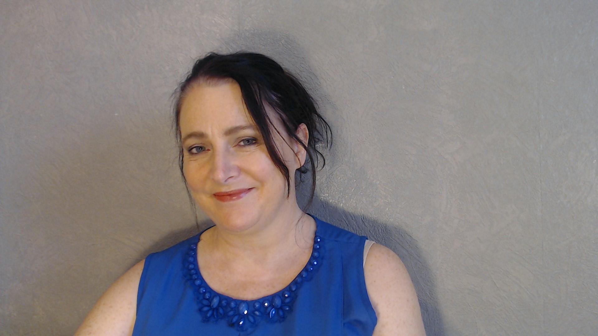 Dr Kathryn Hughes