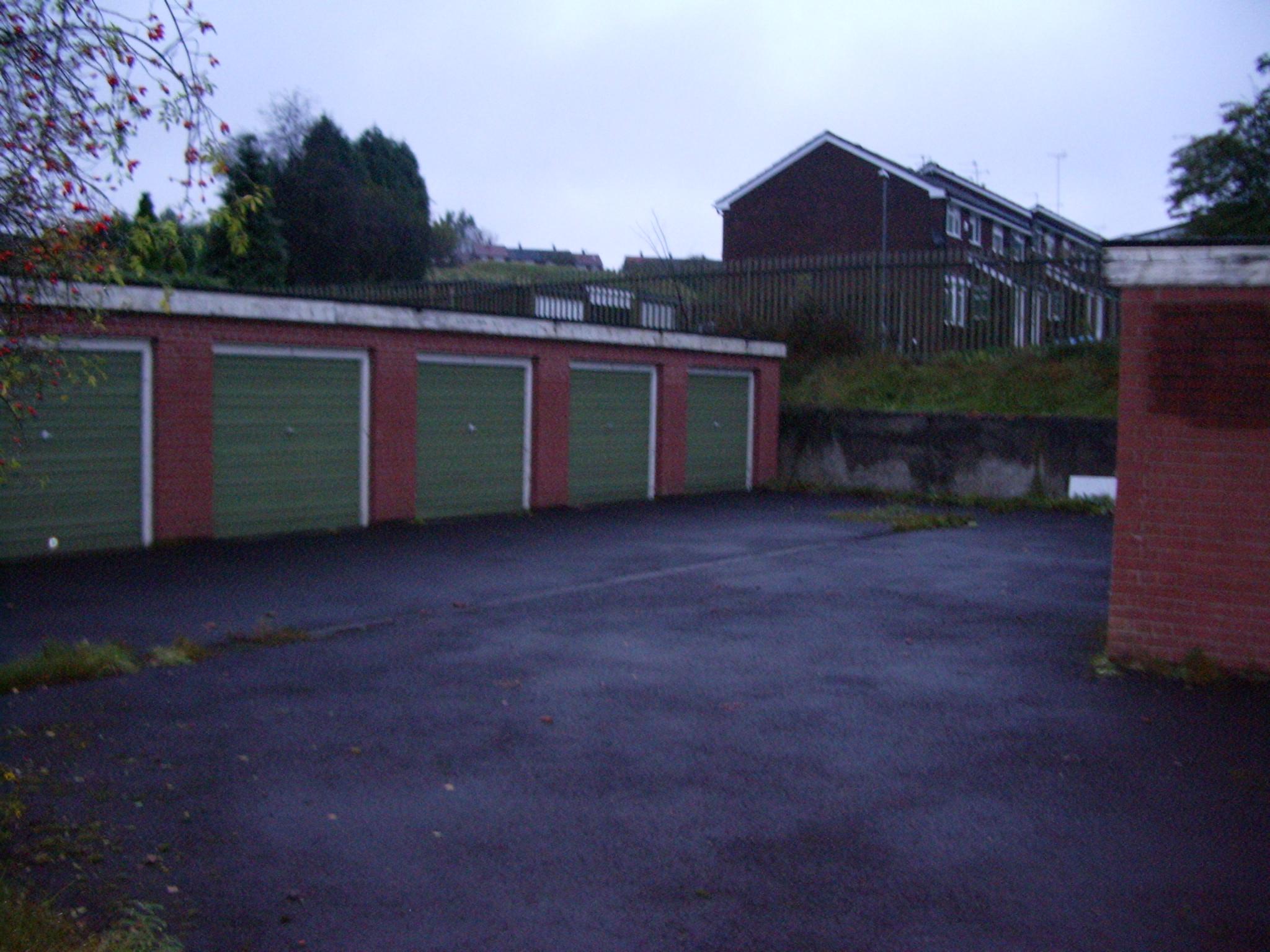 lock up garages
