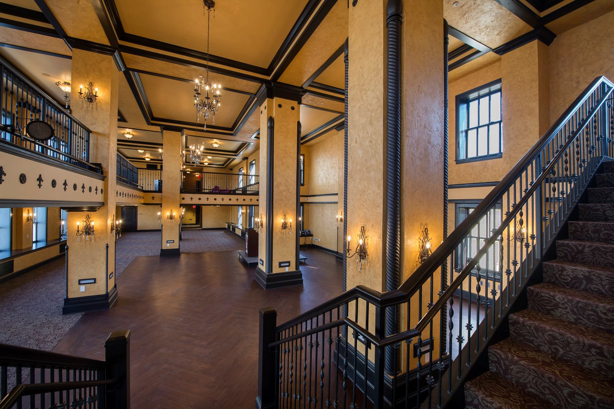 Ballroom And Rooftop Ballroom Venue For Rent In Fort Wayne