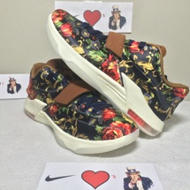 DS NIKE KD VII EXT FLORAL QS SIZE 10.5 STYLE CODE 726438 400