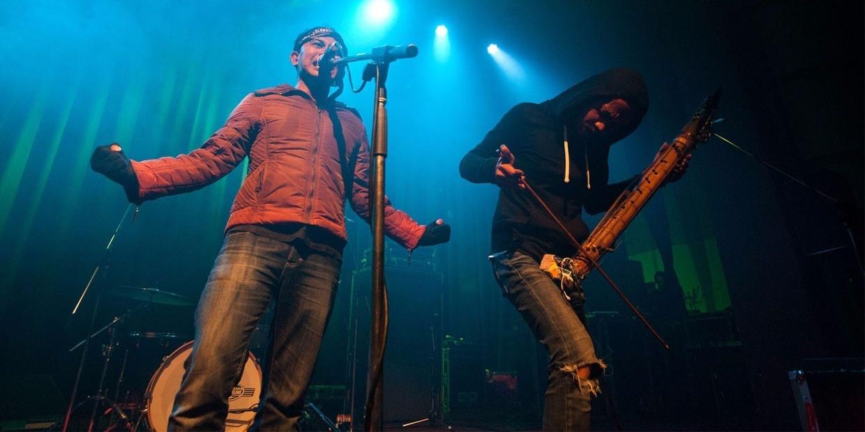 LISTEN: Avant-garde Indonesian duo Senyawa release incredible new album, Brønshøj (Puncak)