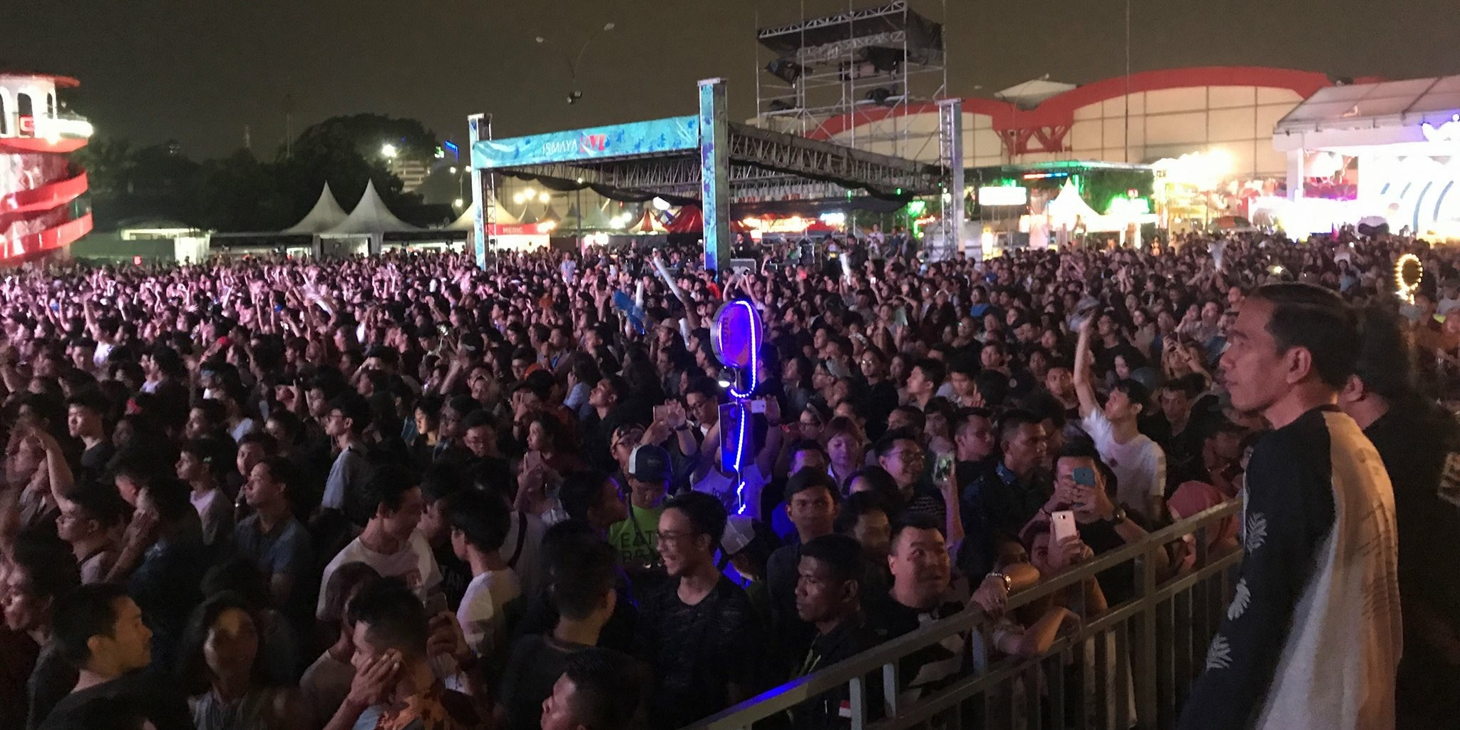 Indonesian president Joko Widodo spotted watching Charli XCX and Kodaline at We The Fest 2017