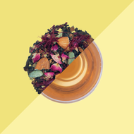 Saffron Kahwa Green Tea from Tea Trunk