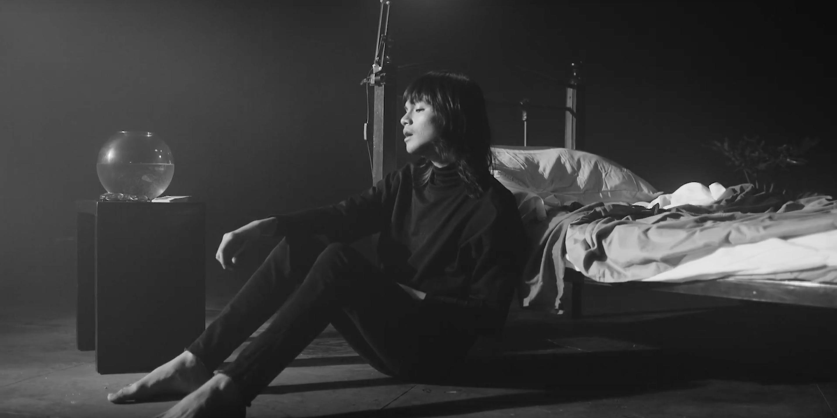 Unique debuts somber solo single 'Midnight Sky' – watch
