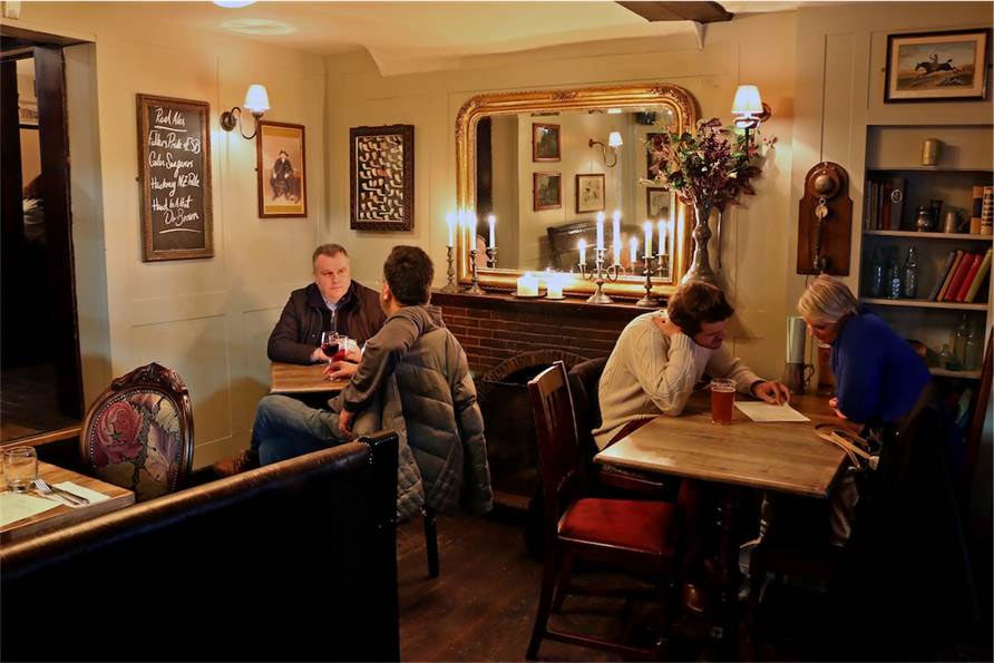 LONDON COSIEST PUBS
