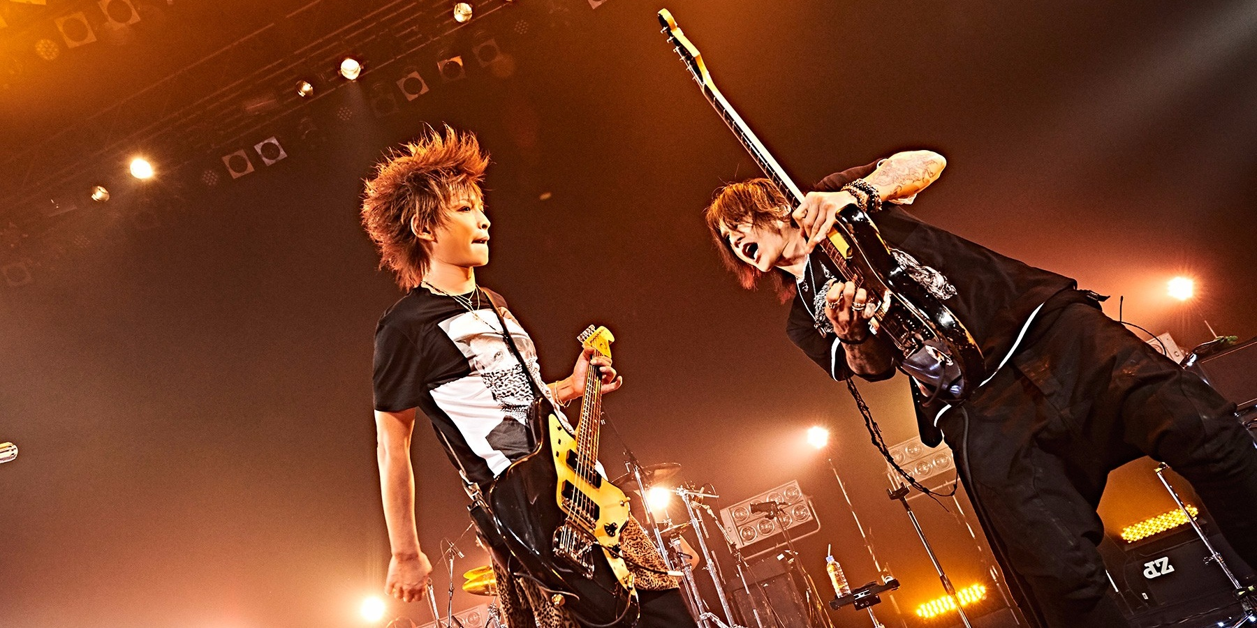 Sugizo takes on Inoran as LUNA SEA's guitar gods engage in a battle of the axes in Singapore