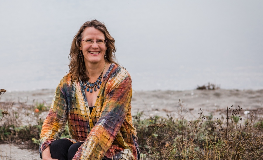 Amy Pattee Colvin teaches qigong in person and online