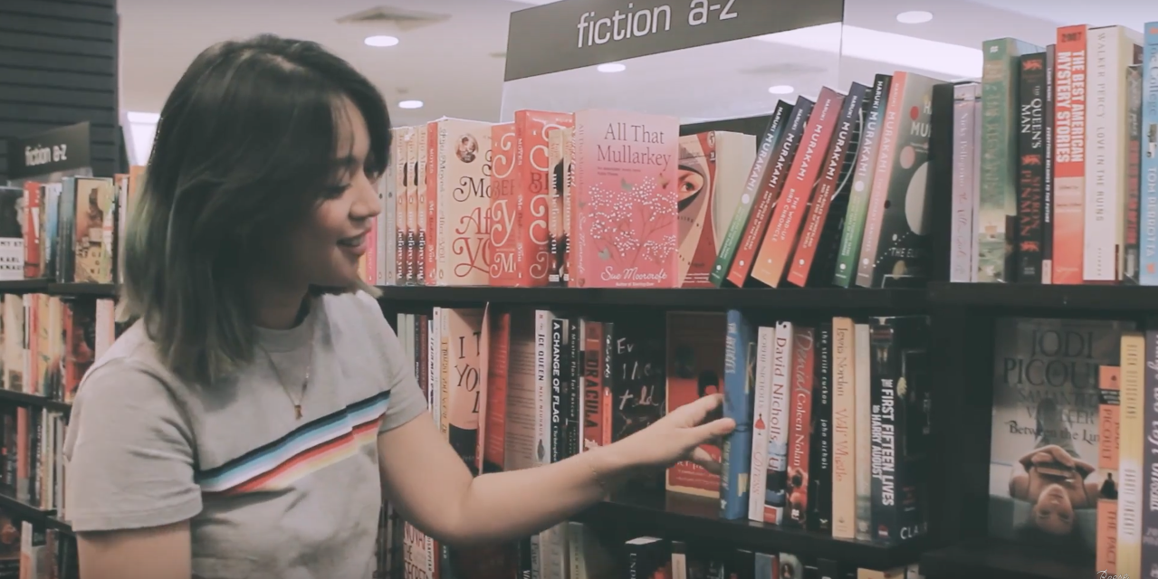 Reese Lansangan takes the #ArigatoInternetHunt to Fully Booked stores