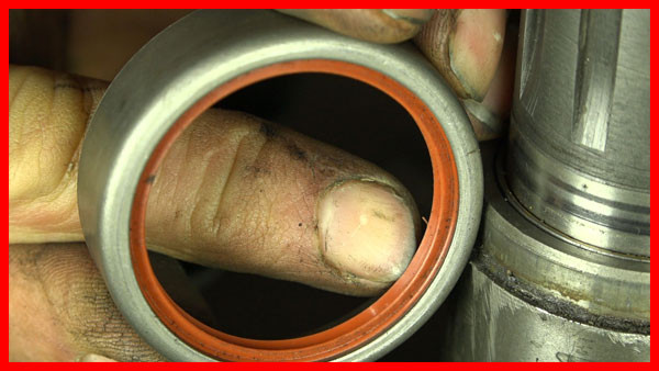 Massey Ferguson input shaft lip seal assessment