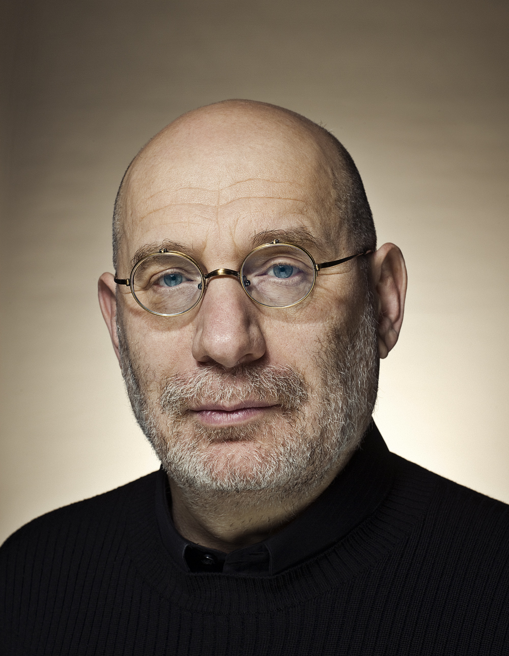 TALK: BORIS AKUNIN