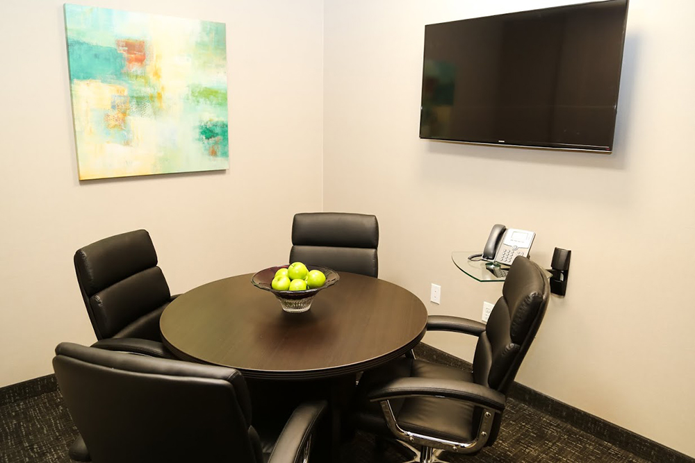 small meeti conference room venue for rent in annapolis