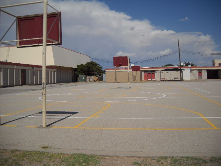 El Paso Independent School District Facilities Macarthur Elementary Intermediate School Outdoor Basketball Courts