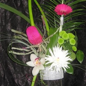 Vase et fleurs - Vase et fleurs - $125