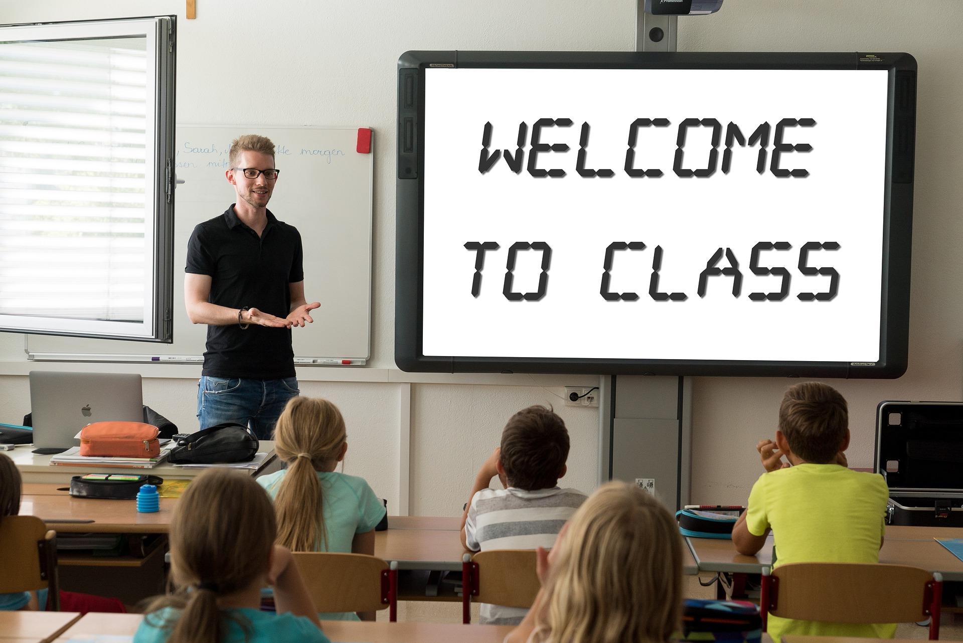 McMahon Education Teachers (Image by Tumisu from Pixabay)