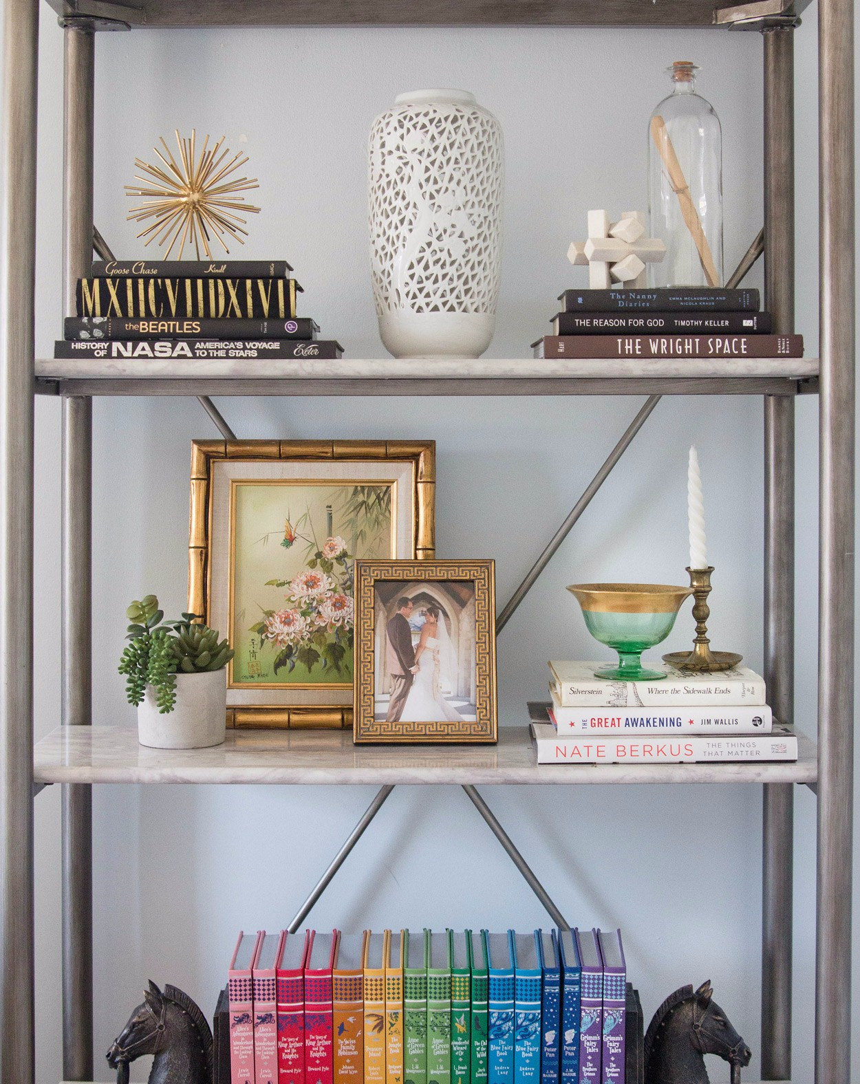 Who knew a Bookshelf Styling course could