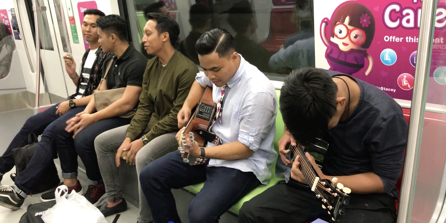WATCH: These guys performed Radiohead's 'Creep' in an MRT, did not perform 'Wonderwall'