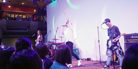 台湾乐团宇宙人带本地歌迷进入音乐宇宙