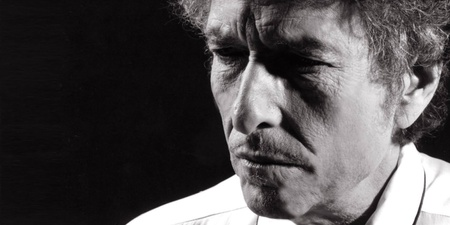 The illustrious Bob Dylan is distinctively himself in return to Singapore - gig report