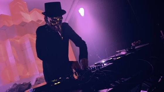 PARA//EL PRESENTS CLAPTONE (GER) *SG DEBUT!* WITH ZUSHAN