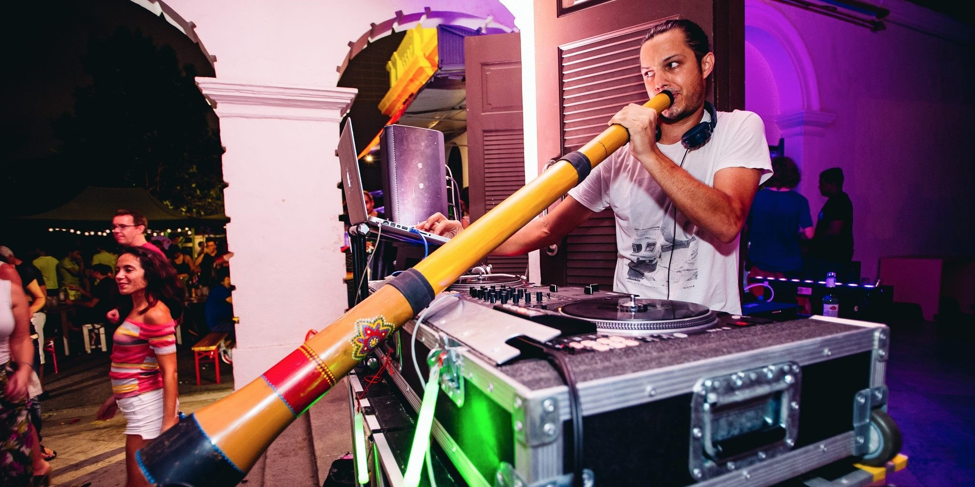 Didgeridoo on the dancefloor with SUB CITY