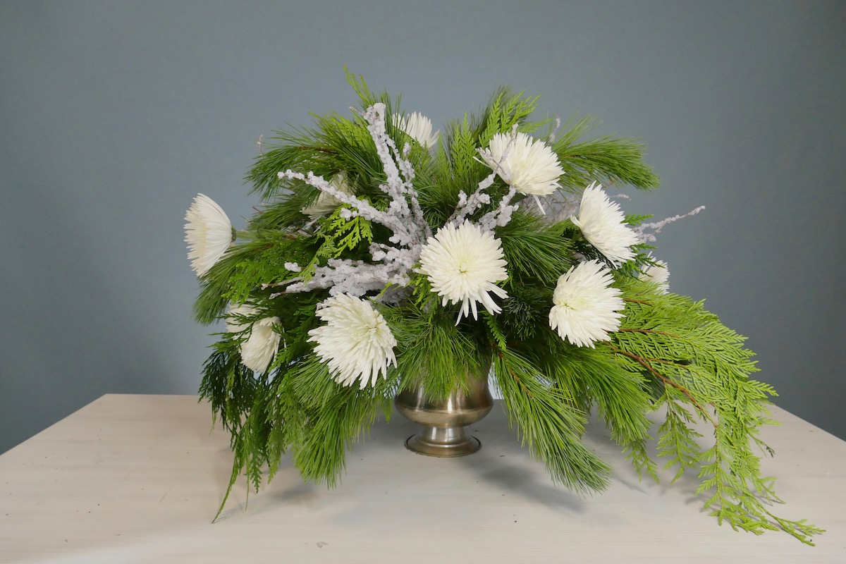 Flower Fridays: Snowball Vase