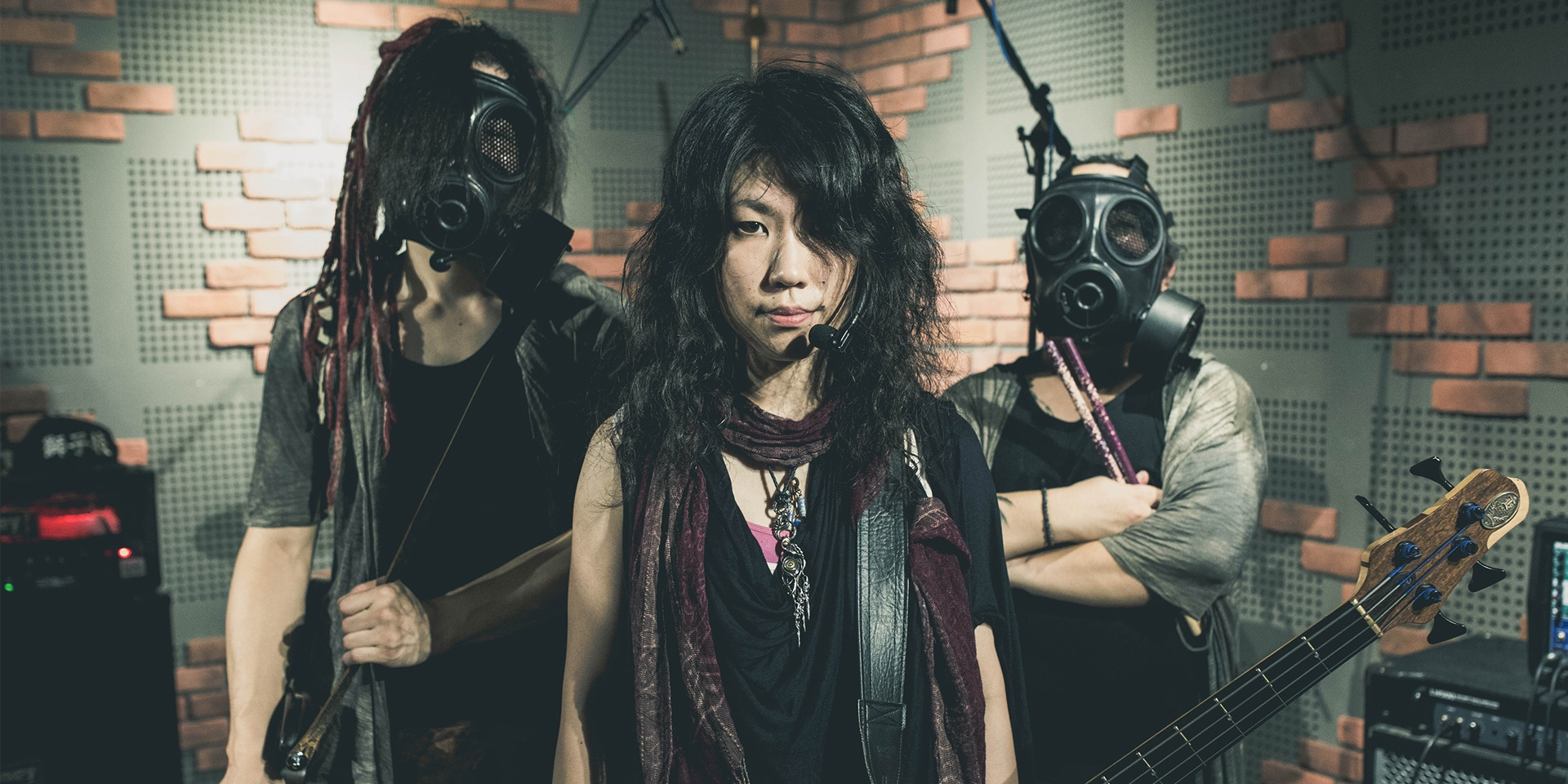 WATCH: Unclose perform 'Kyome' and 'Gunjyo' in The Music Parlour for Bandwagon Presents