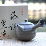 Japanese hand-made Tokoname Kyusu 'Zen' from Zen Tea